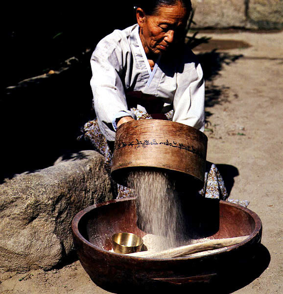 Making local liquor(Beopju Liquor made from rice)