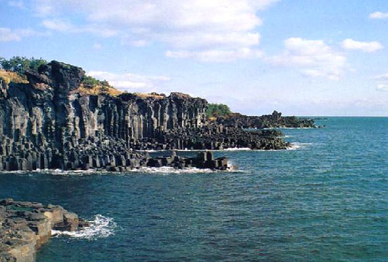 Pillar-shaped Joint of Jungmun and Daepo in Jeju
