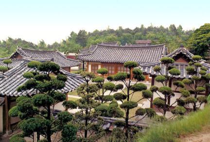도산서원전경