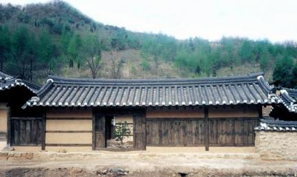영월고진하가옥(정면)