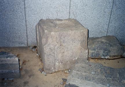 초층옥신석