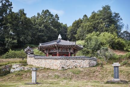 문화재자료 제22호_온양이씨어필각_전경1
