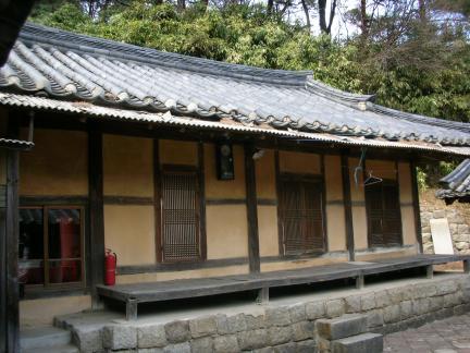 강릉 동은 고택