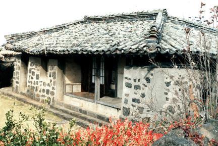 김석륜가옥