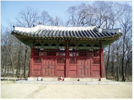 인릉 비각 정면(보수전)