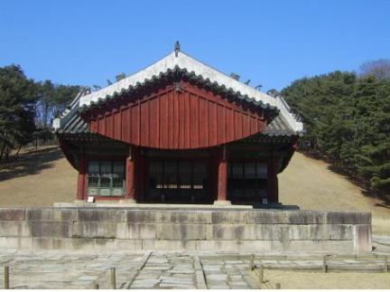 인릉 정자각 정면(보수전)