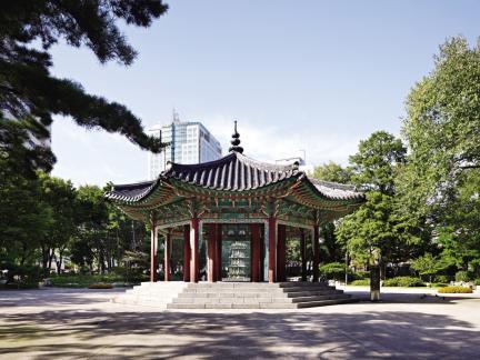 서울 탑골공원 - 팔각정