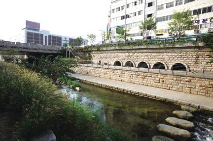 서울 청계천 유적- 오수간문 전경