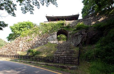남한산성동문