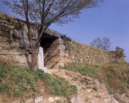 동문주변성벽