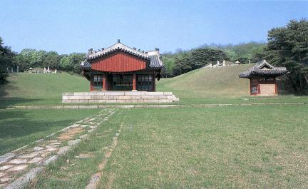 홍릉 정자각과 비각