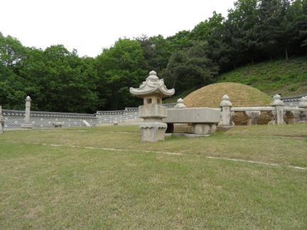 홍릉 전경