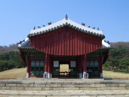 장릉 정자각