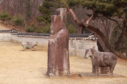 공릉 석인, 석수(2012.03.22.촬영, 파주삼릉관리소)