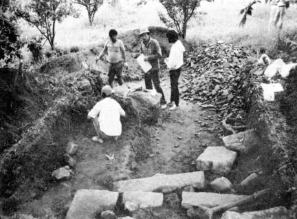 하남 동사지-금당지 동북 모서리 기단 하대석 및 장대석