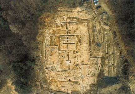 충주 숭선사지-충주숭선사지 중심사역 발굴 전경