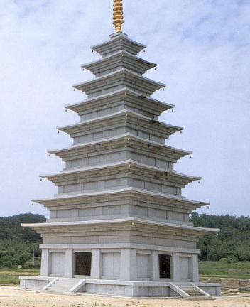 동탑복원상태