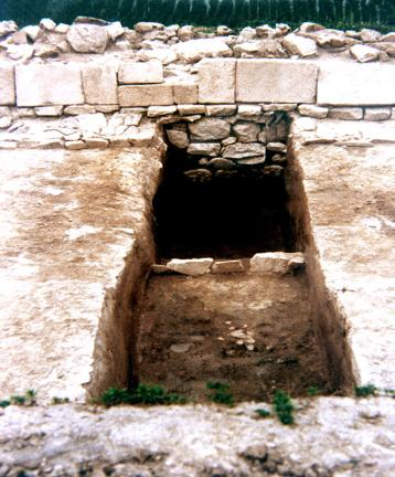 동측성벽하부석축모습(내성벽면)