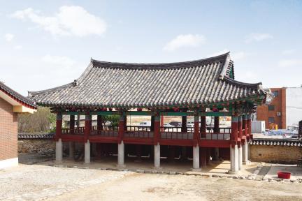 김제군 관아와 향교 - 만화루