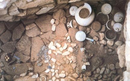 금조총유구내부유물출토상태