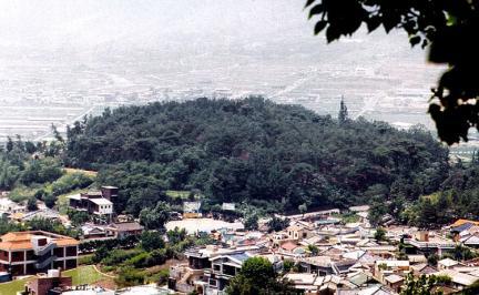 김해구지봉전경