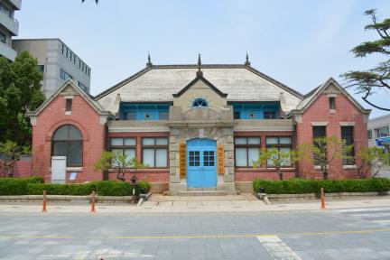 구 군산세관 본관(정면)