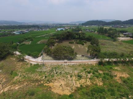 경주 나정 남쪽상공(북쪽으로 조망) (고도보존육성과, 2017)