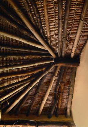 안채 부엌 천장구조