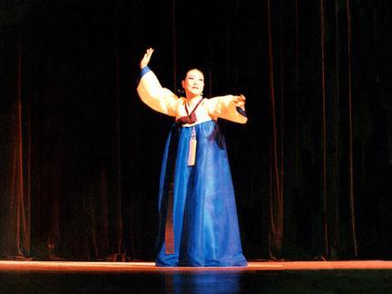 진주교방굿거리춤