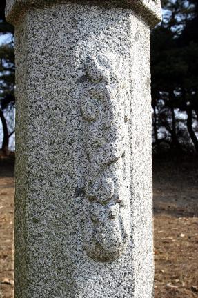 좌측망주석