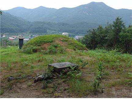 지포 김구묘역 전경