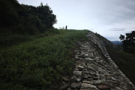 시도기념물 제138호_망이산성_성벽과치성