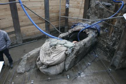 노출된 태평로2가 지하배수로 상류구간 단면