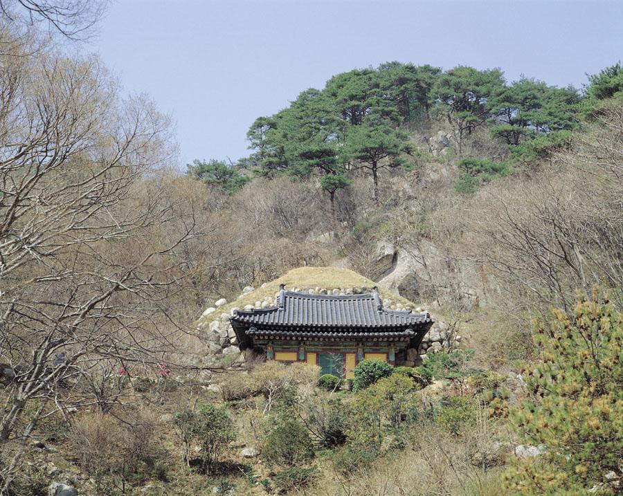 석굴암석굴 전경