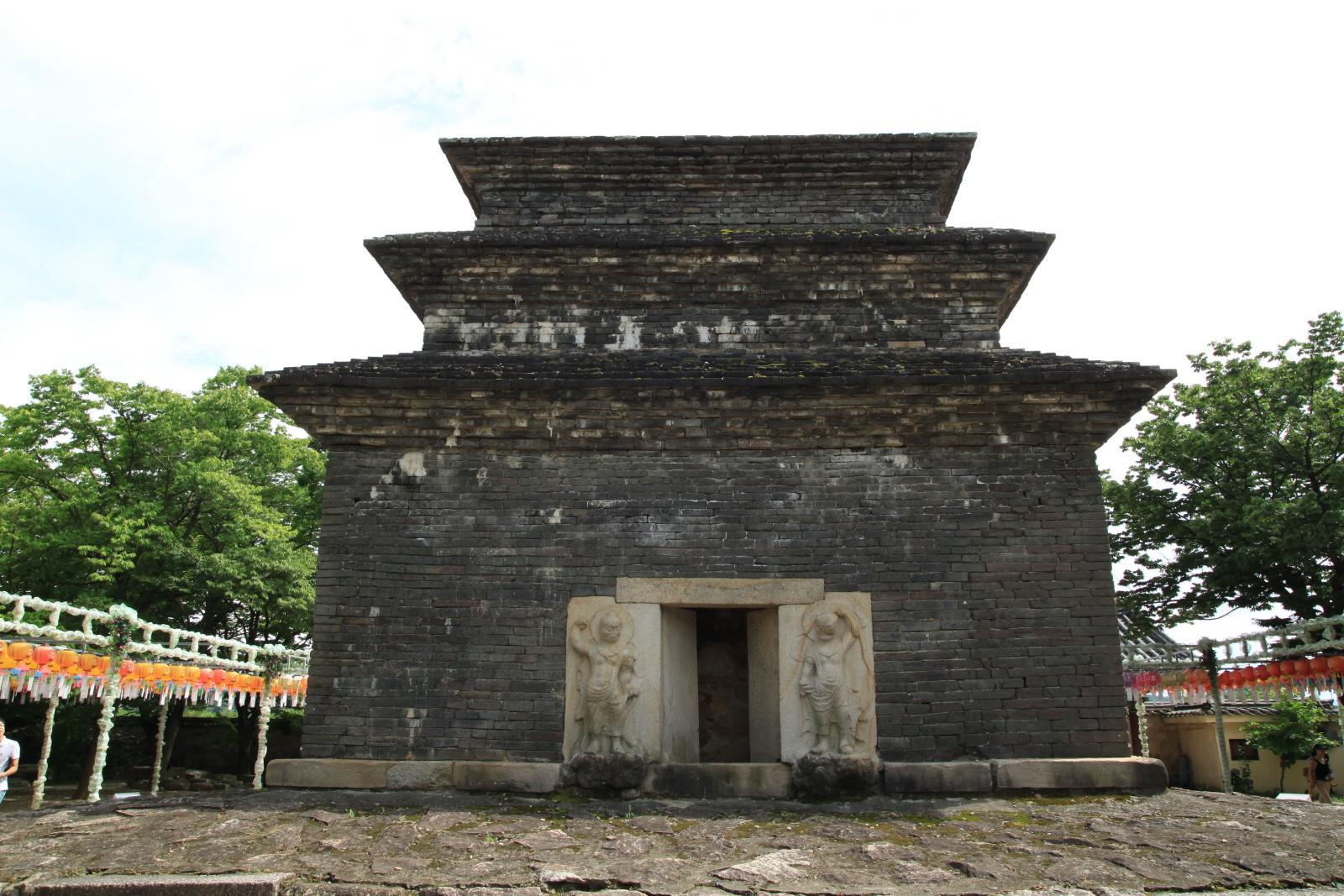 경주 분황사 모전석탑 정면