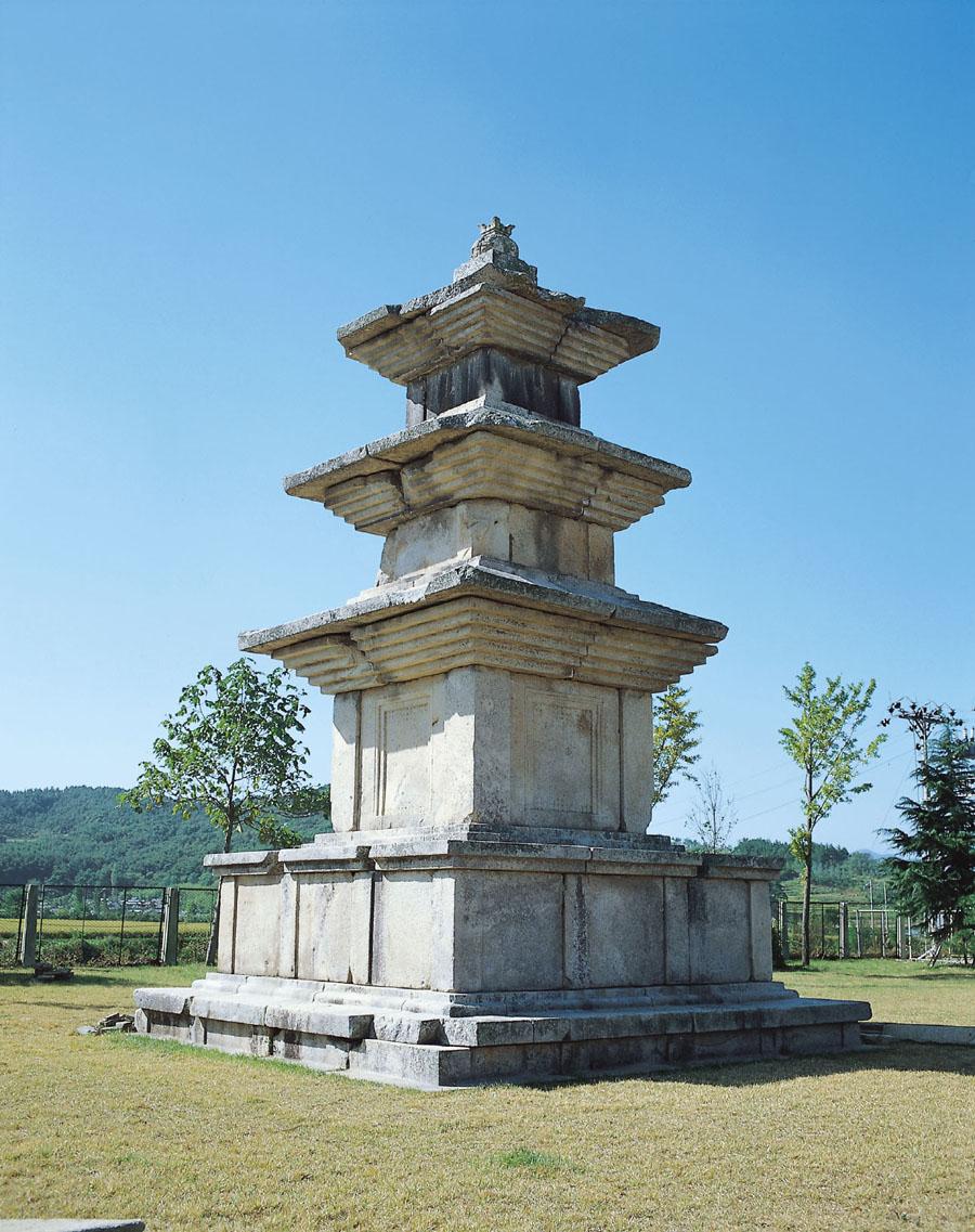 경주 고선사지 삼층석탑