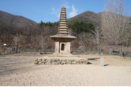 경주 정혜사지 십삼층석탑(근경)