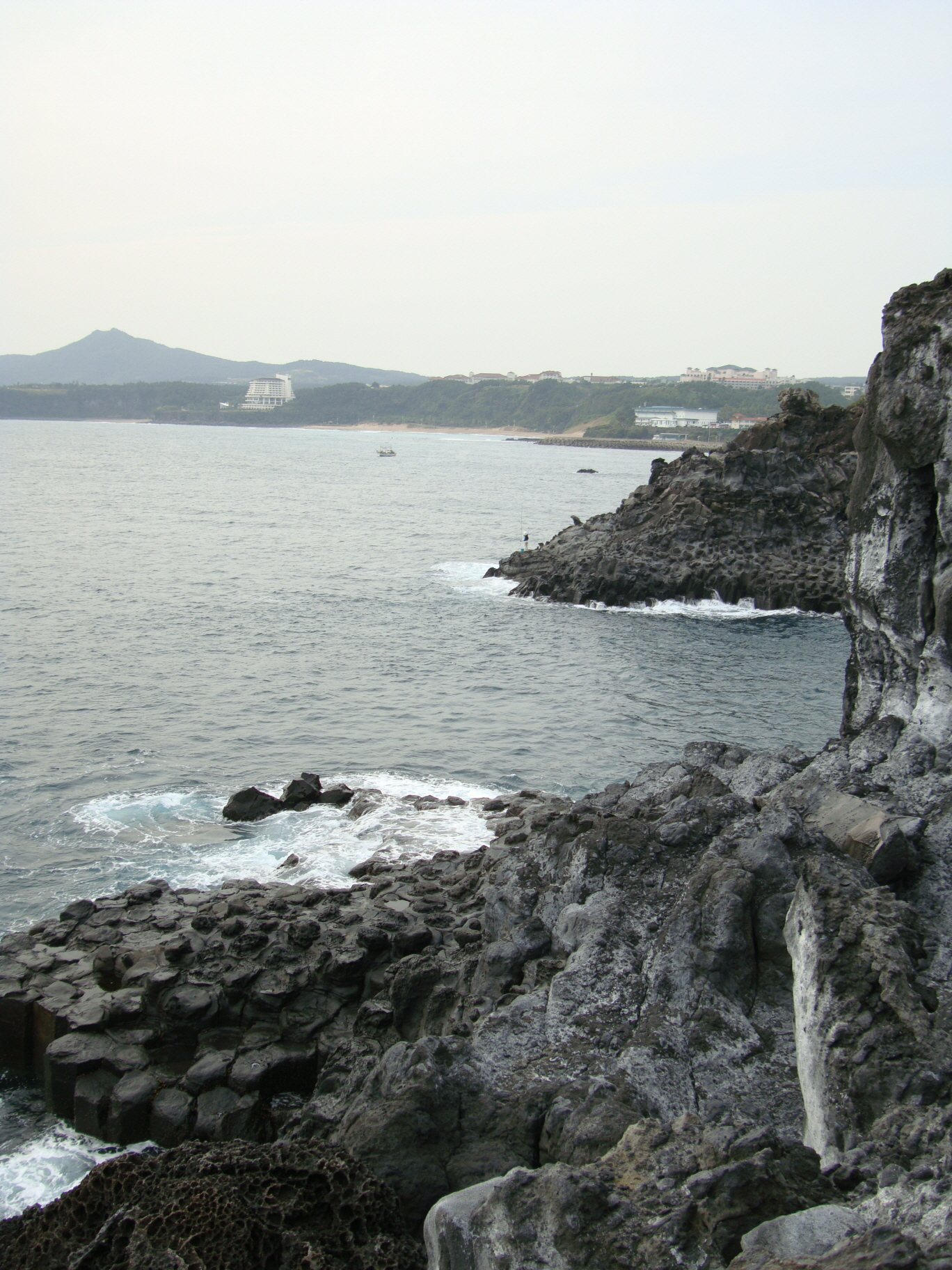 Columnar Joint Zone along Jungmun Beach and Daepo Beach, Jeju
