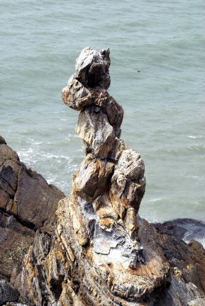 백령도 남포리 습곡-용트림 바위