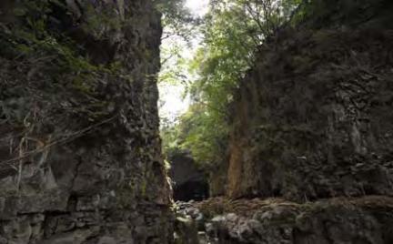 포천 한탄강 현무암 협곡과 비둘기낭 폭포