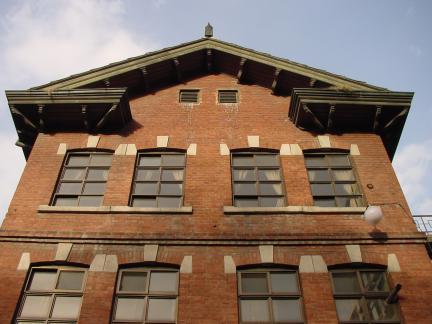 건물 측면