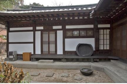 안채(좌)/문화재청