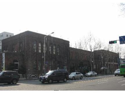 구 용산철도병원 본관 전경