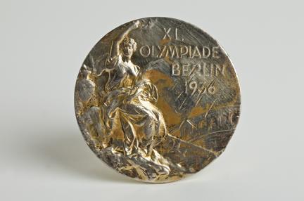 제11회 베를린올림픽 마라톤 우승 유물(금메달)