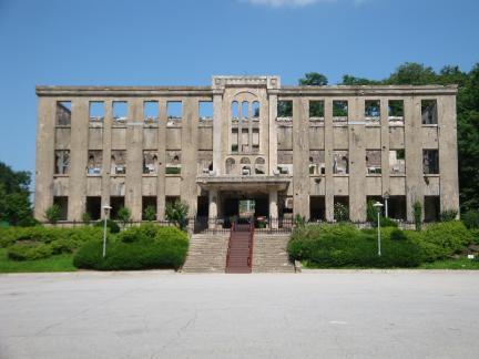 건물 전경1(2009년 7월, 문화재청)