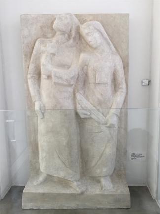 김 골롬바와 아녜스 자매(석고상)