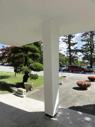 광주교육대학교 교육박물관: 주출입구 캐노피 기둥