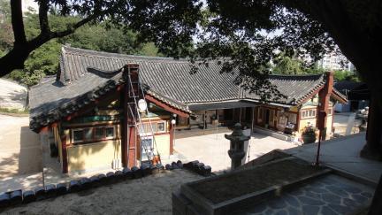 서울 흥천사 대방 배면