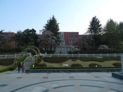 광주 조선대학교 의학대학 본관: 원경