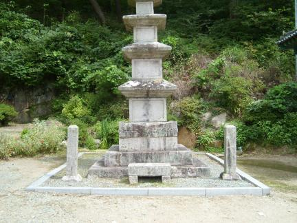 청도 신둔사 영산보탑 및 탑비